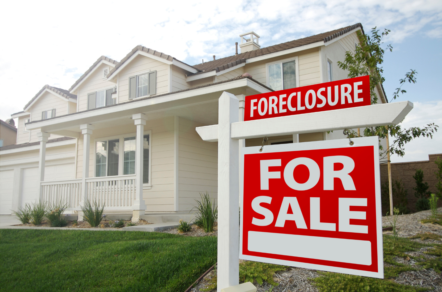 The Beginner's Guide to Buying Foreclosure Properties with Hard Money